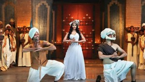 479224-tu-hai-song-stills-from-mohenjo-daro-5